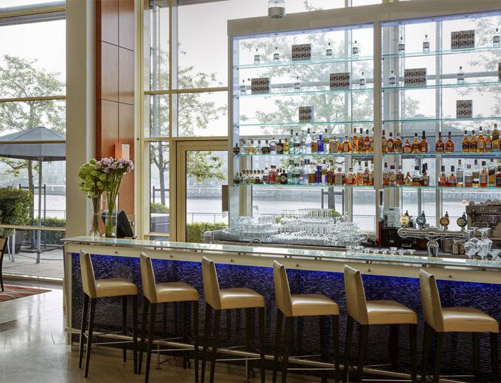 Pier 5 Bar & Lounge